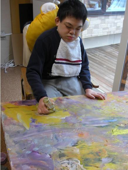 キラキラを塗る2.jpg