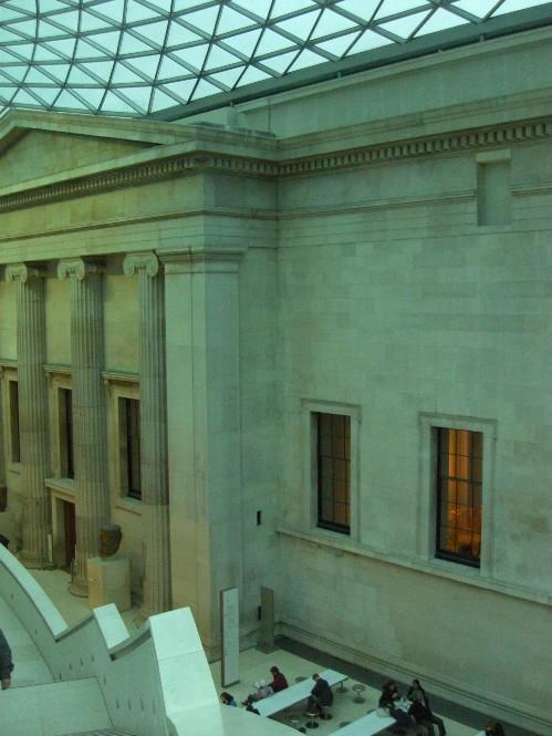 大英博物館上の階から.jpg