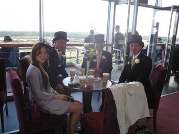 Ascot Ladies' Day 2011-2.jpg